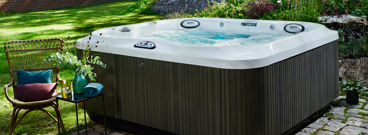 Check out these top tips to help you buy the right hot tub // Wensum Pools Ltd