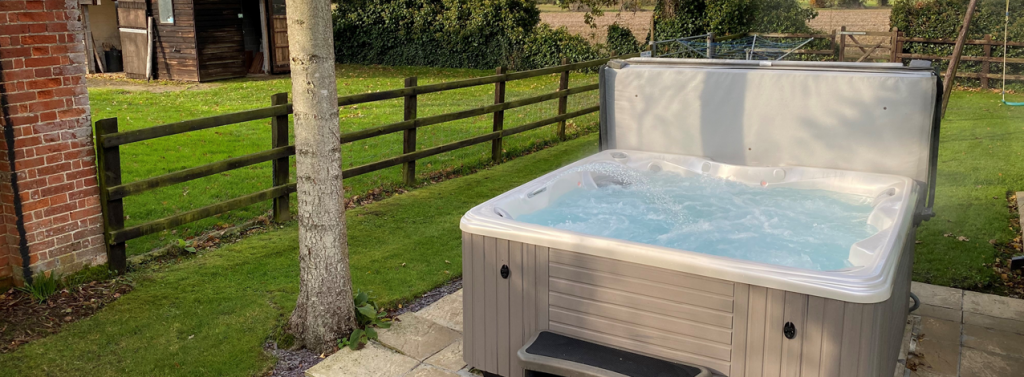Mental health benefits of Sunshine, gardens and hot tubs main image